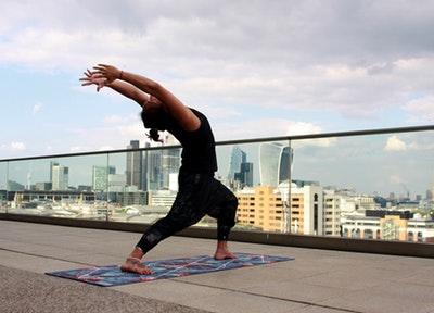 【ニュースまとめ】自律神経ケアには、「背骨」と「呼吸」を整えるのが効果的
